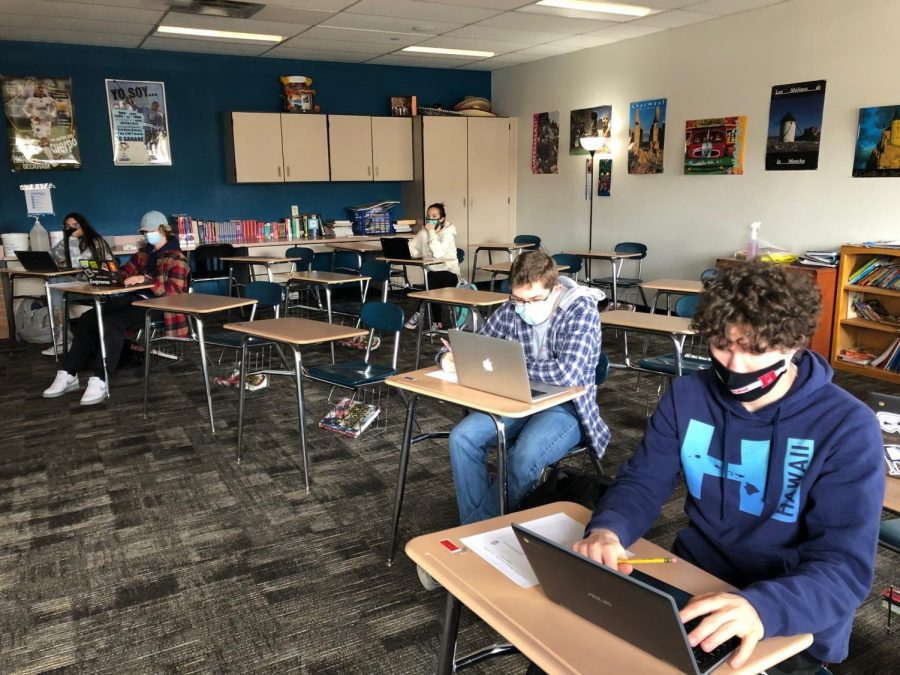 Ms. Nanin's Spanish 2 class works on assignmnets.