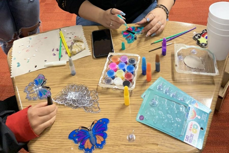 Students could drop by the first floor collaborative space to paint sun catchers.